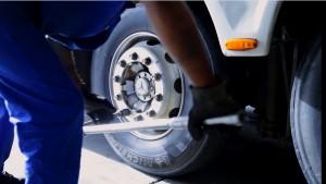 mecanico-pneu-300x169